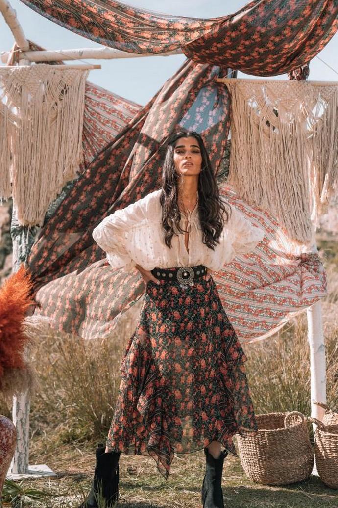 Ασύμμετρη φλοράλ φούστα
