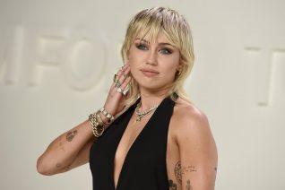 Η Miley Cyrus κουρεύτηκε μόνη της. Για πες εσύ τι άλλα νέα;