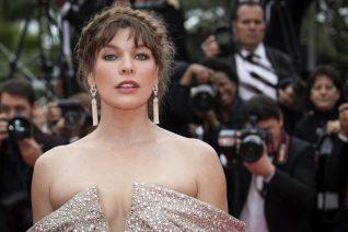 H Milla Jovovich είπε μερικές (ωμές) αλήθειες για την εγκυμοσύνη