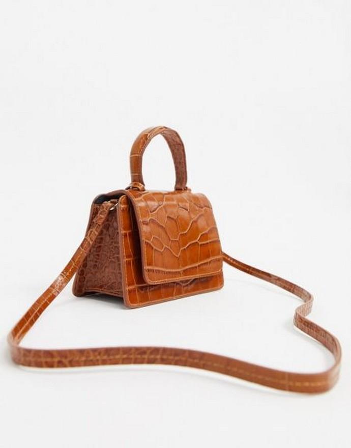 Δερμάτινη τσάντα με λουράκι