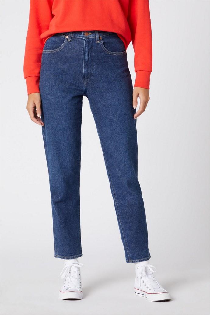 Μοm Jeans σε κλασική γραμμή