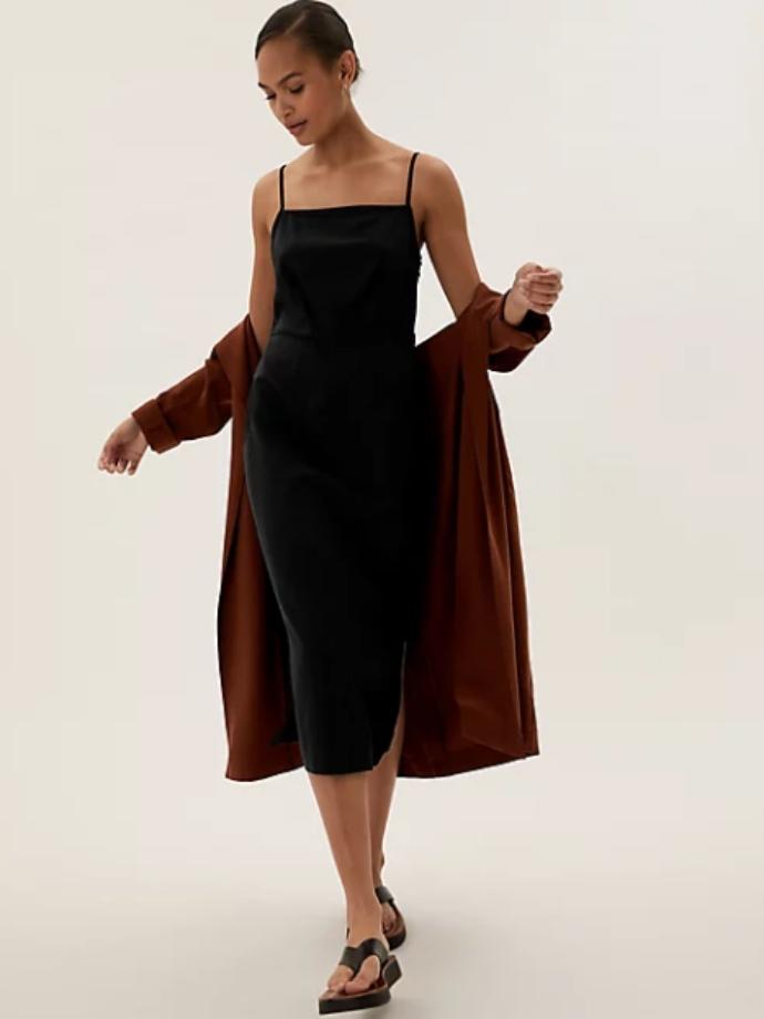 Λινό μίντι ίσιο φόρεμα με τετράγωνη λαιμόκοψη