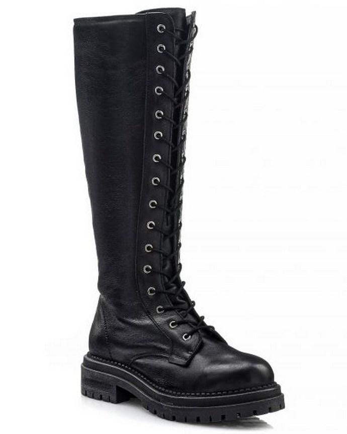 Κατερίνα Παπουτσάκη μπότες