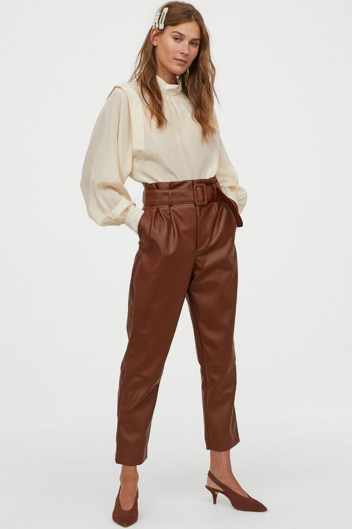 καφέ παντελόνι