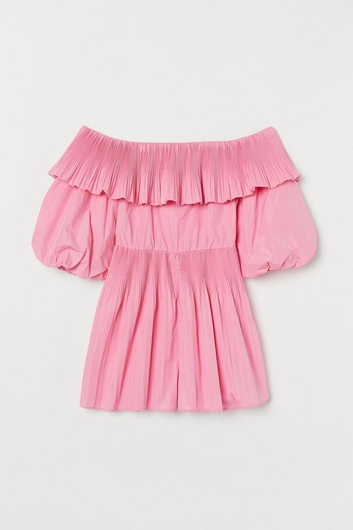 Ολόσωμη κοντή φόρμα με παρτούς ώμους