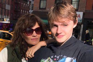 Ο γιος της Helena Christensen είναι σωσίας της και μόλις έκανε το ντεμπούτο του στην πασαρέλα του LFW