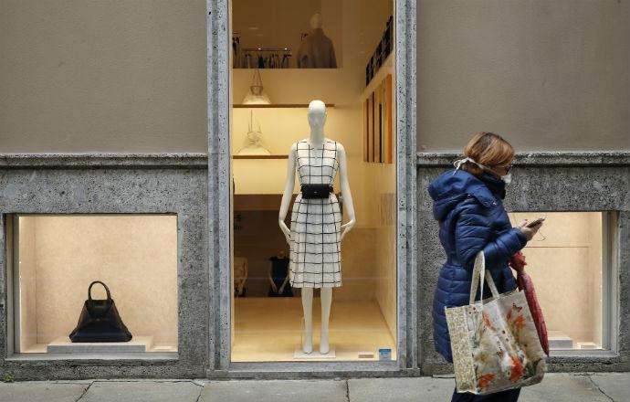 τα καταστήματα ρούχων κλείνουν κορονοϊός