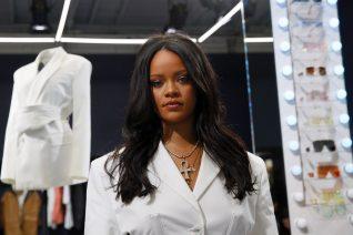 Rihanna: Το αστρονομικό ποσό προς τα θύματα της ενδοοικογενειακής βίας κι η συμμαχία της με τον CEO του Twitter
