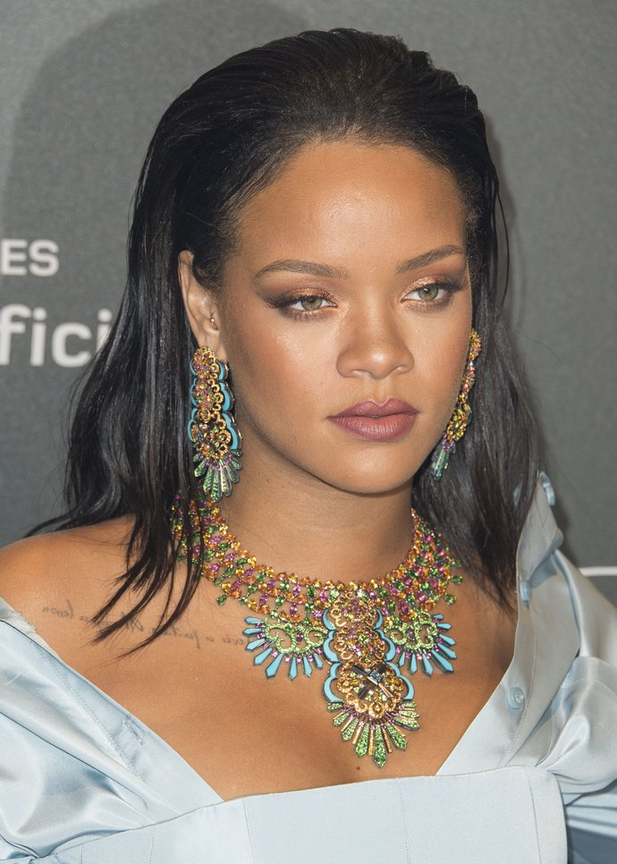 η βασίλισσα των κοσμημάτων, Rihanna