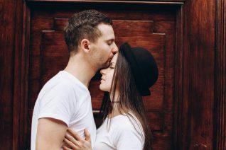 Φλερτ και σεξ στην πανδημία: 4 tips για να τα κάνεις με ασφάλεια