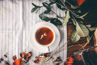 Η συνταγή για τσάι που θα φτιάξεις απόψε κιόλας για να κοιμηθείς αμέσως