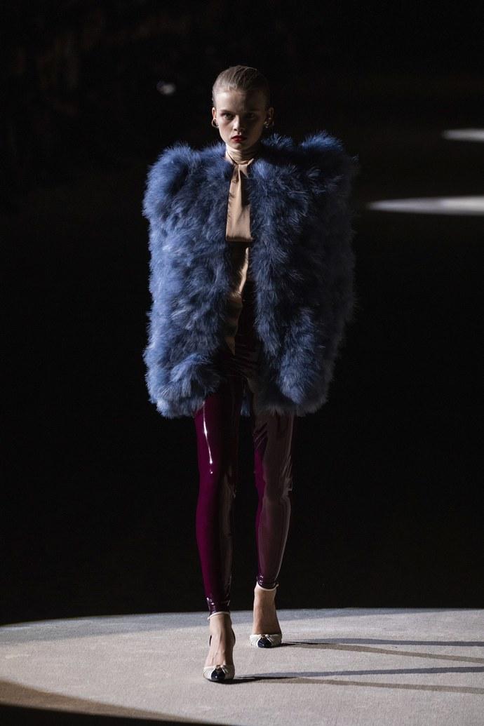 fashion show Saint Laurent Εβδομάδα Μόδας Παρίσι