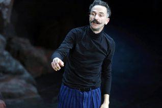 Ο Άρης Σερβετάλης θα υποδυθεί τον Άγιο Νεκτάριο σε ταινία με τον Mickey Rourke