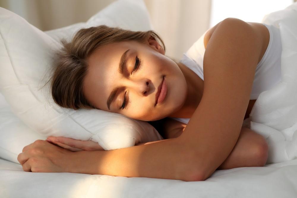 Το κόλπο που μειώνει τις ρυτίδες ενώ κοιμάσαι