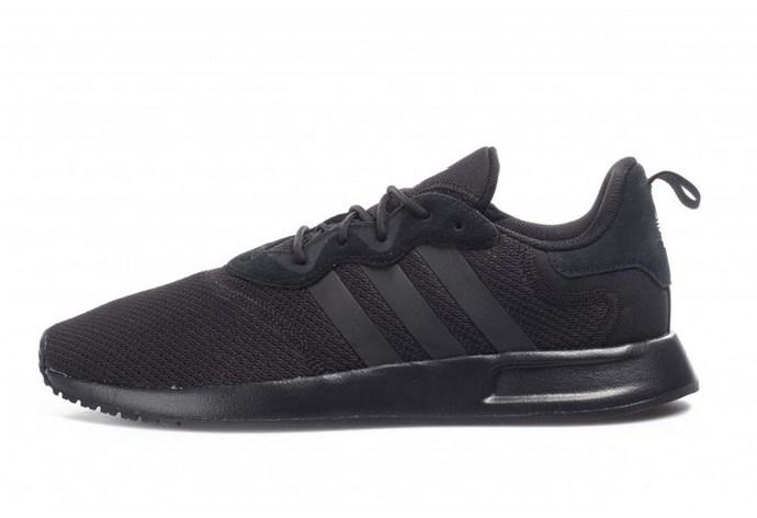Αθλητικά παπούτσια σε μαύρο