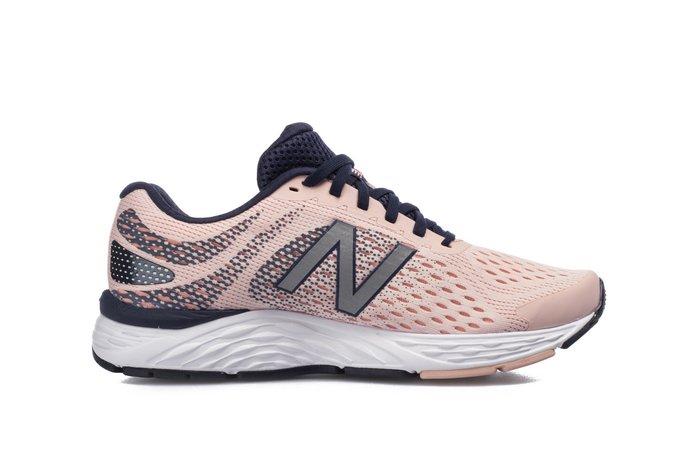 αθλητικά παπούτσια για το τρέξιμο