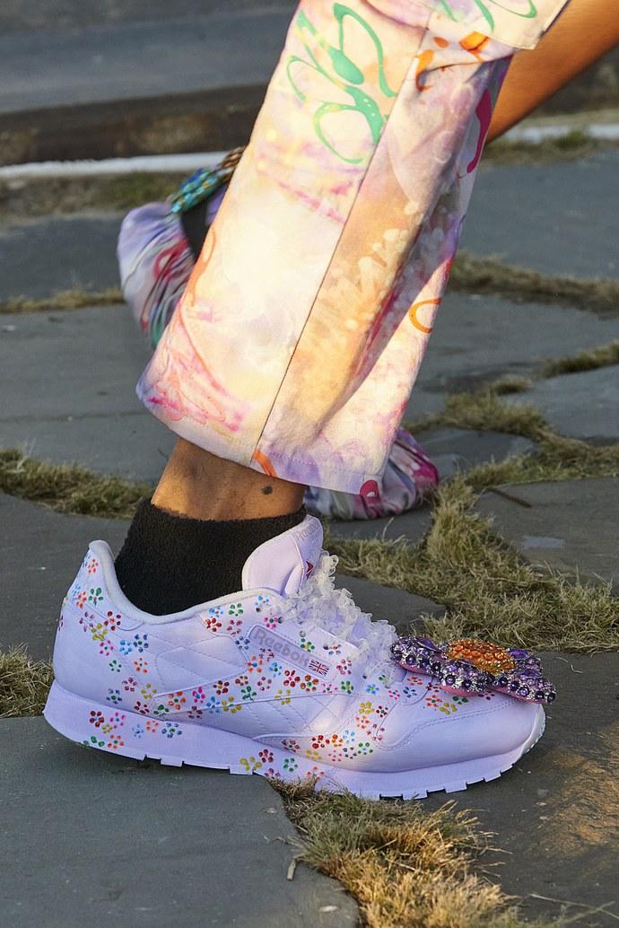 τάσεις στα sneakers