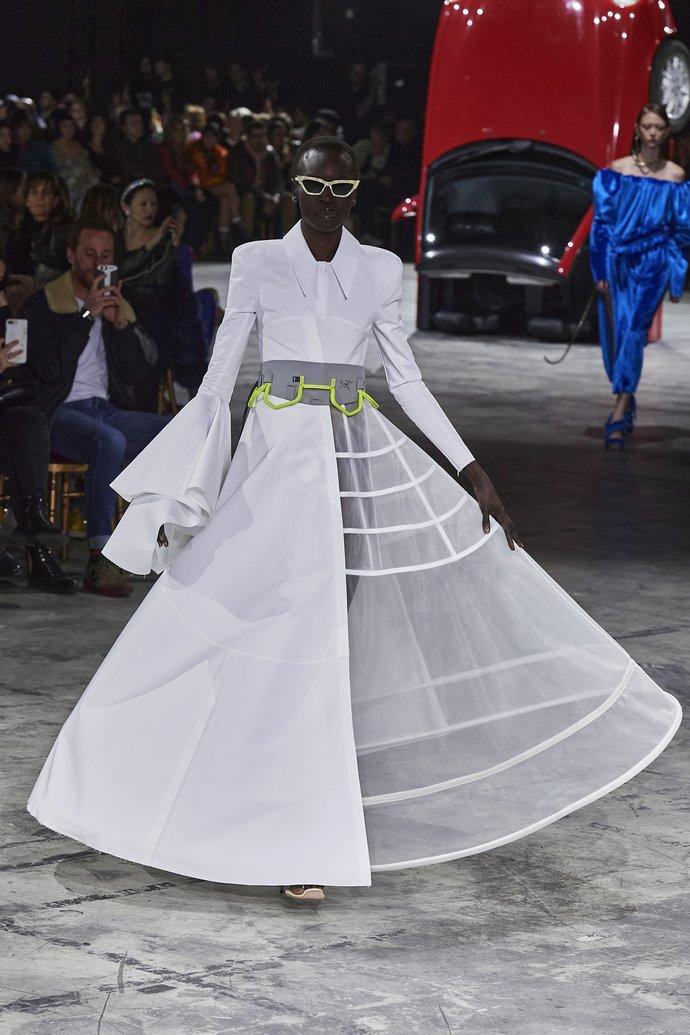 τάσεις της μόδας για το 2020, social distancing