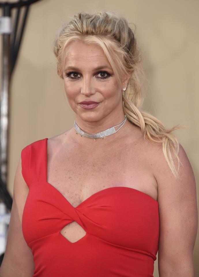 Britney Spears, Πλαστικές