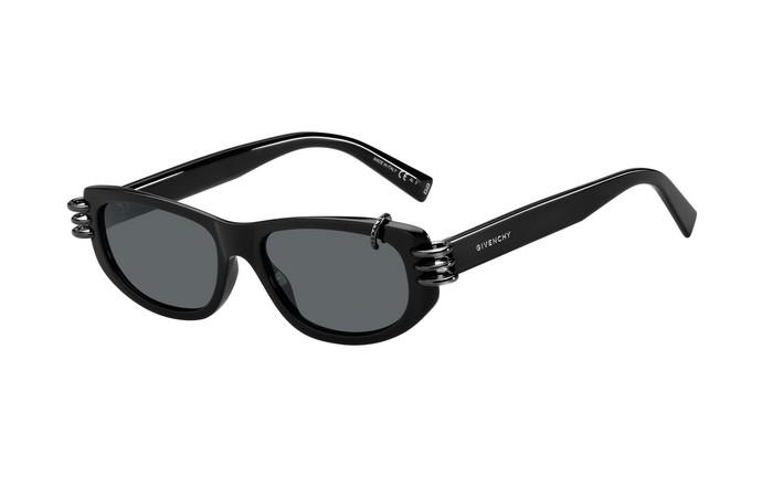 Γυαλιά ηλίου με μεταλλικές λεπτομέρειες