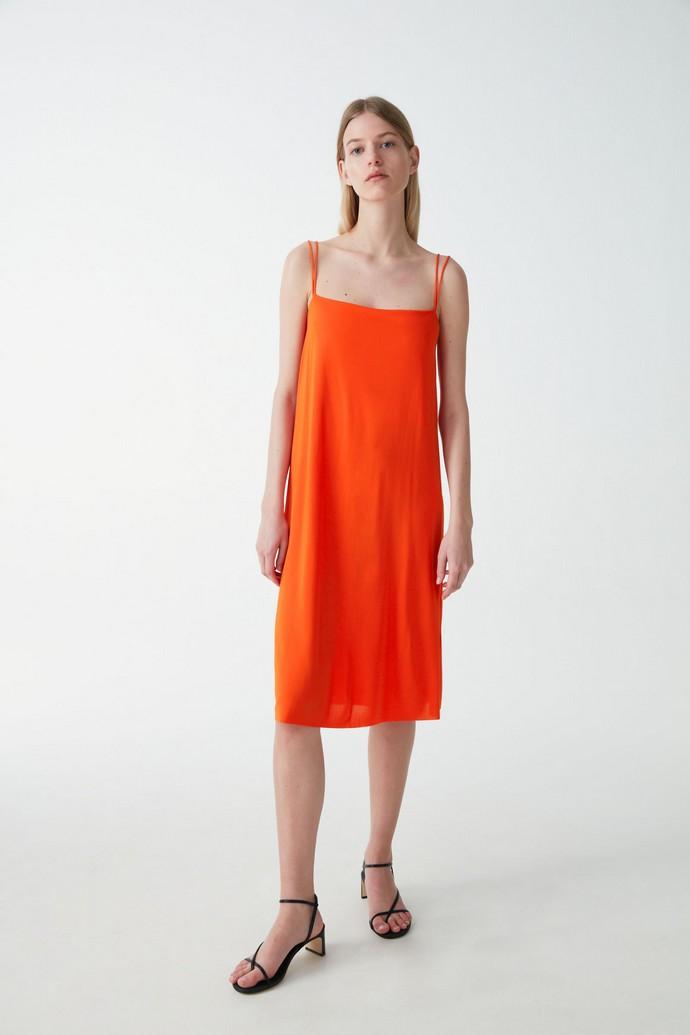 Slip φόρεμα σε Α γραμμή