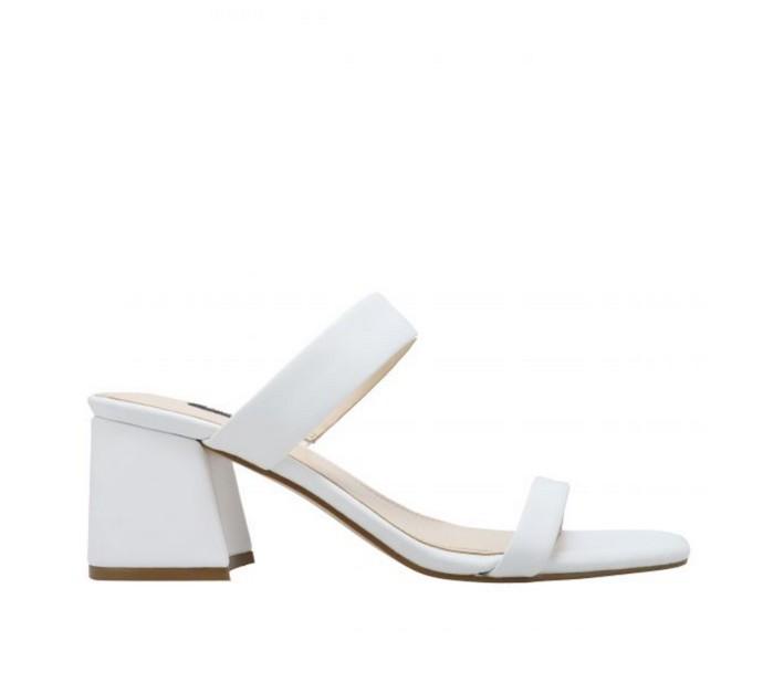 Πέδιλα με block heel