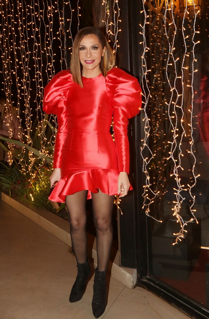 Δέσποινα Βανδή κόκκινο φόρεμα