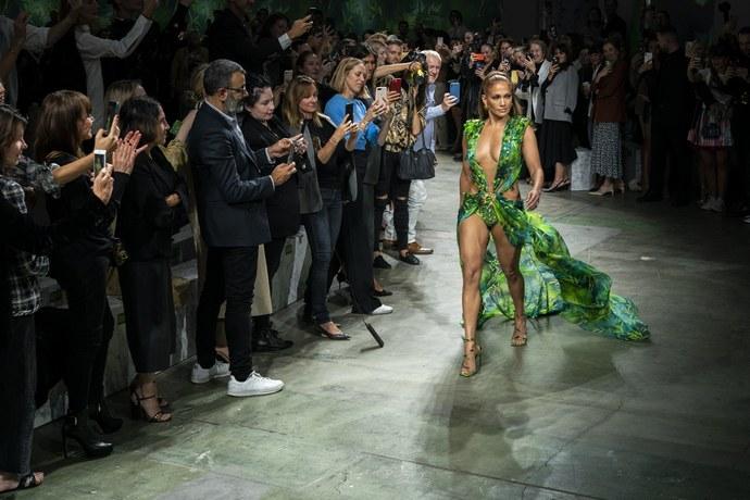 καμπάνια Versace