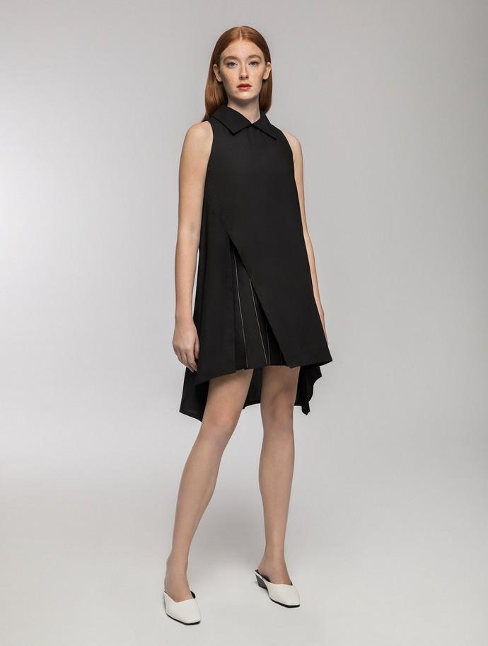 Ασύμμετρο φόρεμα με κόψιμο