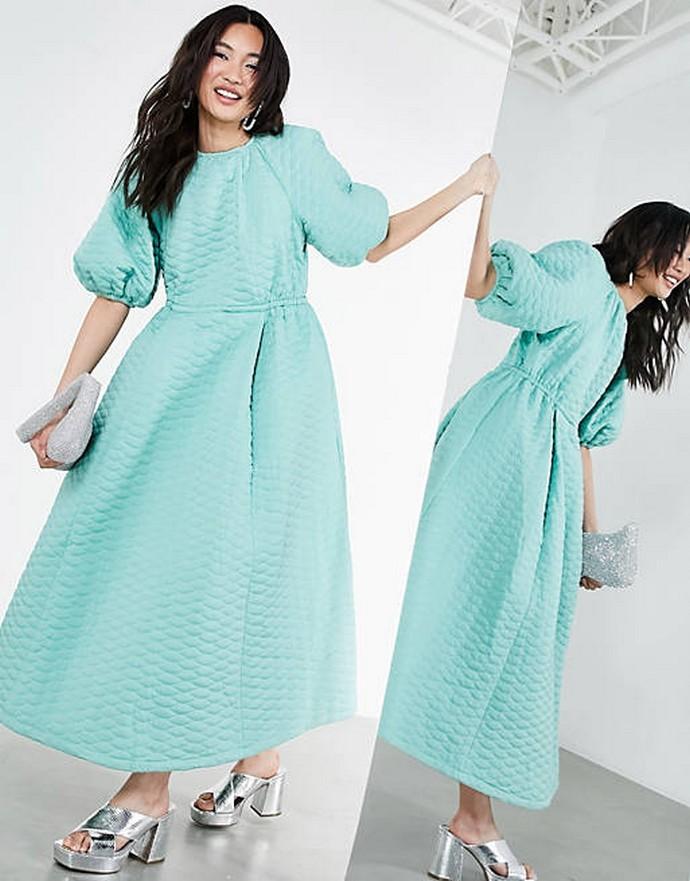 Καπιτονέ φόρεμα