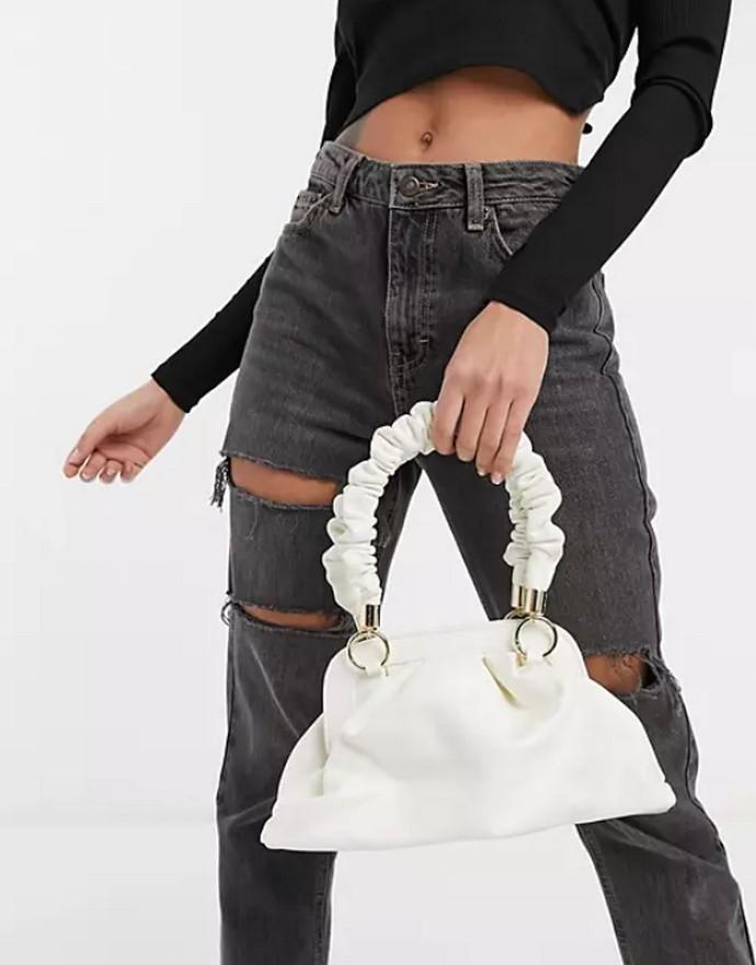 Τσάντα χειρός με ruched λουράκι