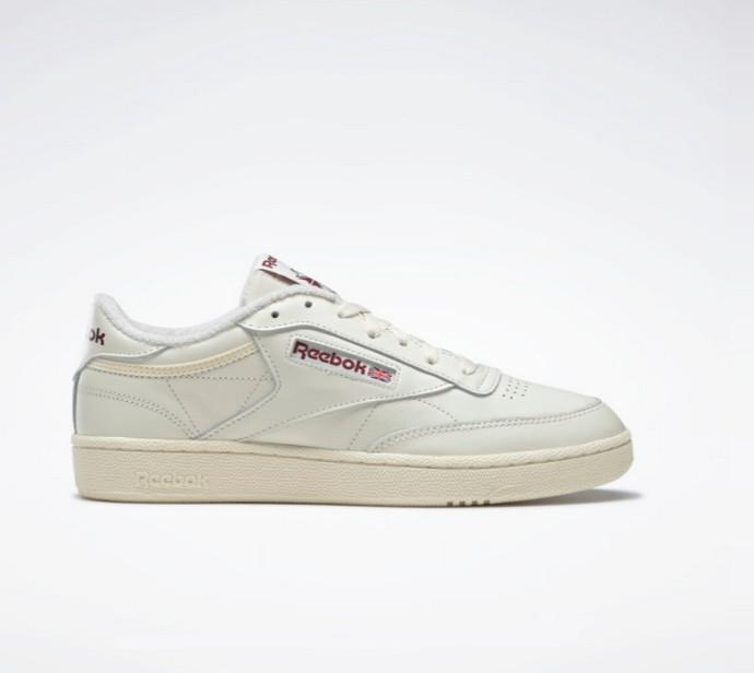 Ρετρό λευκά sneakers