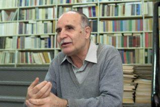 Ντίνος Χριστιανόπουλος: 10 ποιήματα για τον έρωτα και τη μοναξιά
