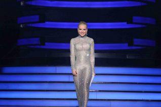 YFSF: Η ultra glamorous εμφάνιση της Μαρίας Μπεκατώρου θα μπορούσε να σταθεί και στο κόκκινο χαλί