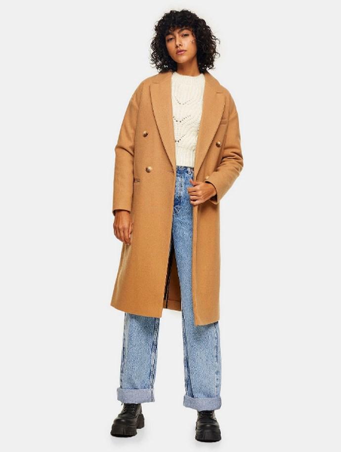 Παλτό σε κλασική γραμμή