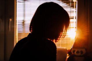 Η «άγνωστη» συνήθεια που σού προσθέτει 385 θερμίδες την ημέρα