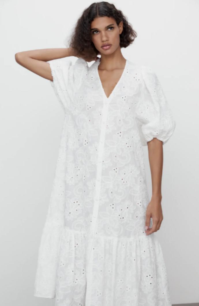 φόρεμα με διάτρητα κεντήματα και κοντό φουσκωτό μανίκι