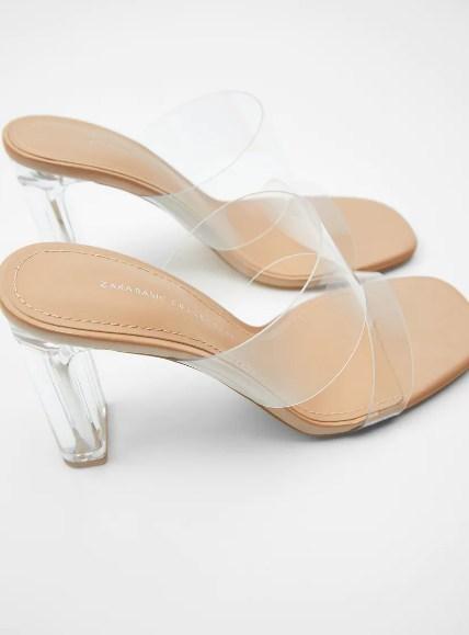 Kim Kardashian πόδια